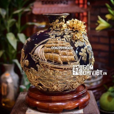 Bình hút tài lộc đắp nổi Thuận Buồm Xuôi Gió vẽ vàng Bát Tràng - Men xanh đen - 30cmx30cm