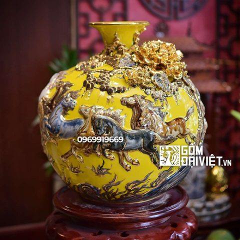 Bình hút tài lộc Mã Đáo Thành Công vẽ vàng Bát Tràng - Men vàng - 35cmx35cm