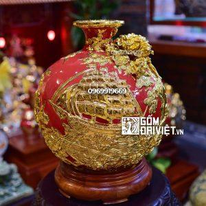 Bình hút tài lộc Thuận Buồm Xuôi Gió vẽ vàng Bát Tràng - Men Đỏ