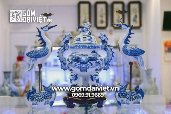 Bộ đỉnh hạc đắp nổi gốm sứ Bát Tràng - Men lam - 45cm