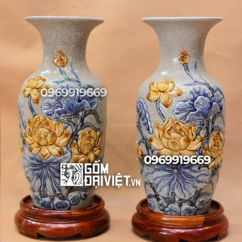 Lọ hoa thờ đắp nổi hoa Sen Bát Tràng - Men rạn - 32cm