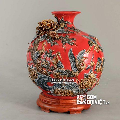 Bình gốm hút tài lộc tùng hạc diên niên màu đỏ mệnh hỏa H35cm
