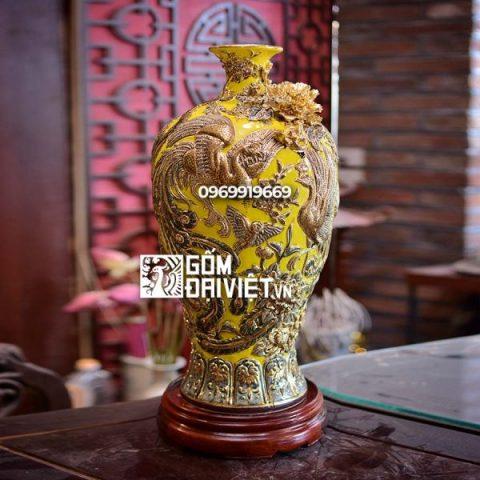 Bình gốm phong thủy vẽ vàng màu vàng mai bình chim công