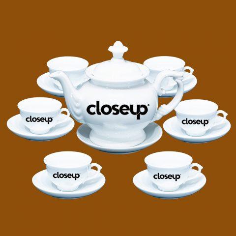 Bộ ấm trà Bát Tràng quà tặng in logo Closeup