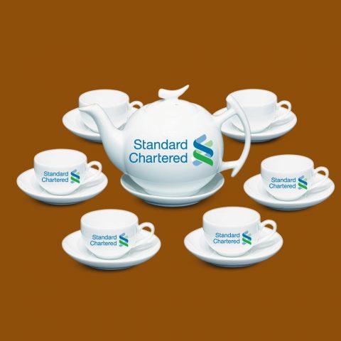 Bộ ấm trà Bát Tràng quà tặng in logo Standard Chartered