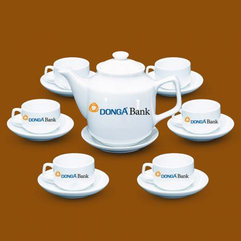 Bộ ấm trà trắng Bát Tràng quà tặng in logo Đông Á Bank