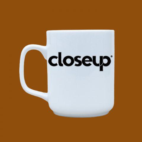 Ly sứ trắng in logo Closeup