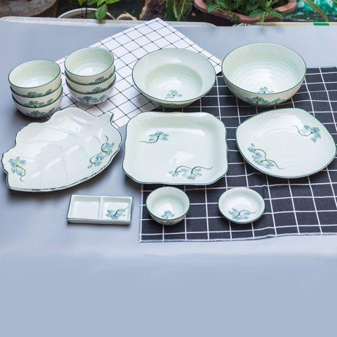 Bộ bát đĩa Bát Tràng men kem vẽ sen xanh 14 sản phẩm