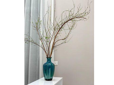 Lọ hoa Bát Tràng men hỏa biến xanh biển dáng múi khế