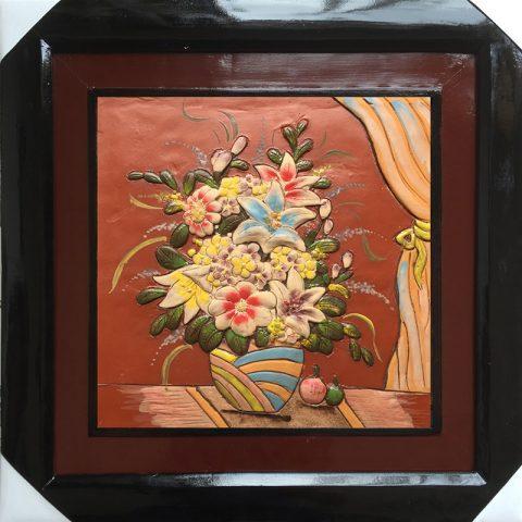 Tranh gốm vẽ giỏ hoa kích thước 50x50cm