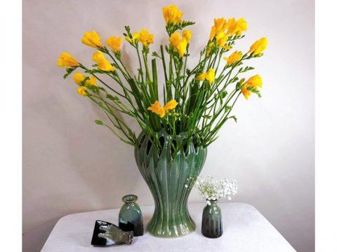 Lọ hoa Bát Tràng men hỏa biến xanh rêu dáng bàn tay phật cao 35cm